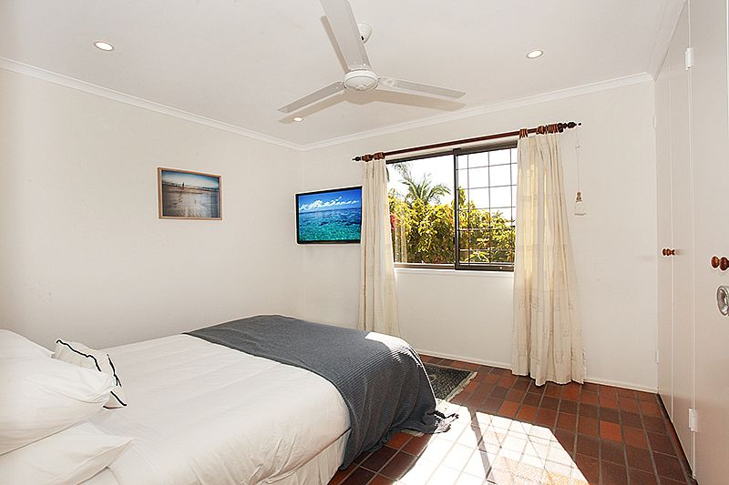 54 coolum terrace beach house accommodation coolum for 111 coolum terrace coolum beach